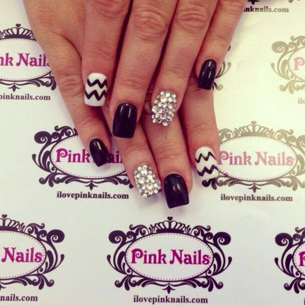 Black and White Chevron Bling Nails